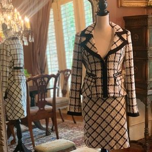 Tweed suit. Black House White Market